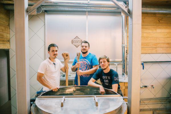 Гастротур в Медовеевку : пивоварня «Эндемик»